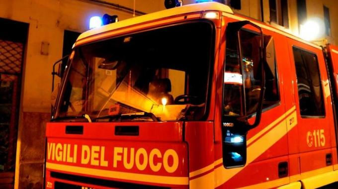 Photo of Montefiascone (Viterbo): auto in fiamme, donna muore carbonizzata